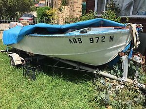 Free free boat Ingleburn Campbelltown Area Preview