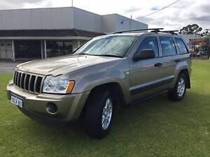 2006 Jeep Laredo 4.7 V8 Automatic  **ONLY 122,000 KMS ***