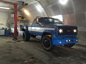 1980 Chevy C6000 extended cab dually pick up