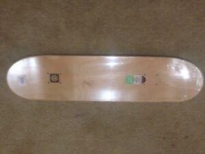 Monster NYJAH  Skateboard