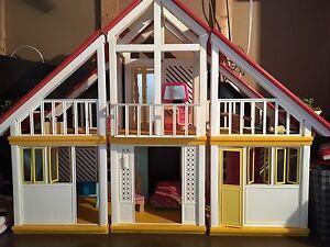 Maison de Barbie vintage
