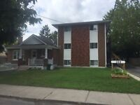 2 bedroom apartment available Oct 1st