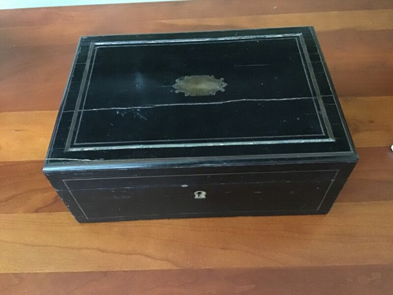 Antique Sewing Box Necessaire