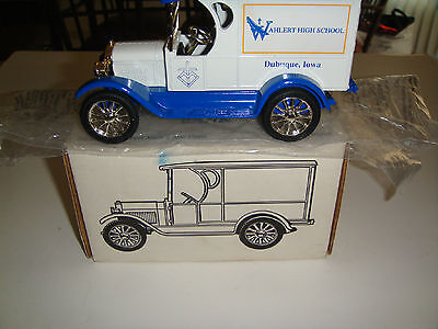 ERTL DIECAST 9997 WAHLERT HIGH SCHOOL 1ST EDITION 1923 1/2 TON TRK  BANK KEY NIB