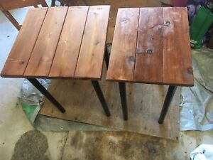 2 wooden collapsible tables