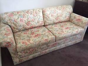 Moran fold out sofa bed Port Melbourne Port Phillip Preview