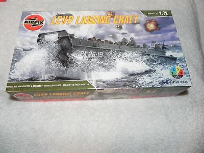 Airfix LCVP Landing Craft Made in France #01321 Skill level 2 model kit