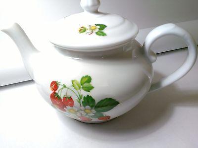 Cordon Bleu Teapot  Fruit White Porcelain TPot Kitchen Dining Home