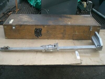 Mitutoyo Vernier Height Gage 24 With Wooden Storage Box