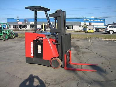 2008 Raymond Forklift Dockstocker 4000 188 Lift Mn42036v Wbattery Charger