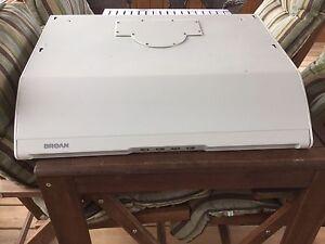 Hotte / Fan de cuisinière Broan modèle CXW-200-05B1