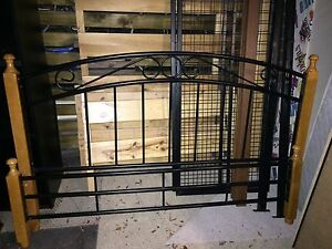 Wood & metal queen bed- excellent condition Hamersley Stirling Area Preview