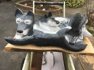 Wolves carving