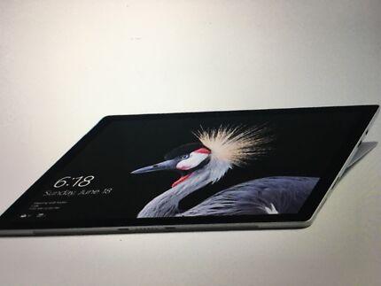 Microsoft surface pro i5 256gb