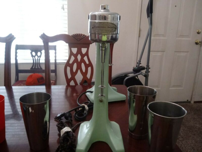 1930s Jadeite Green Art Deco Style HAMILTON BEACH RARE MODEL 25 MILKSHAKE MIXER!
