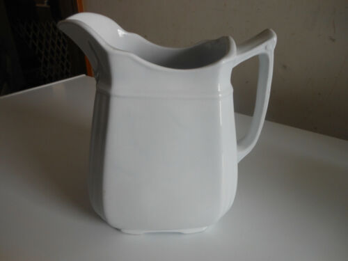 """vintage Alfred Meakin Royal Ironstone pitcher 7"""" tall"""