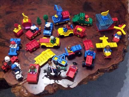 LEGO:VINTAGE:Cars:Trucks:Tractors:M/bikes:Plane:People+FREE ROADS