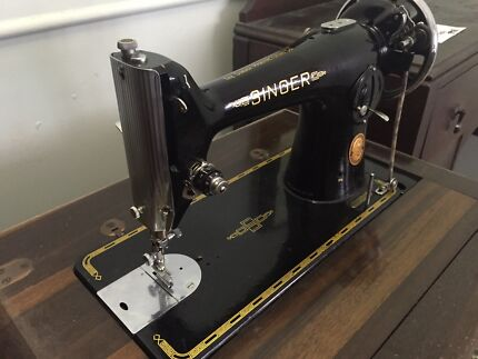 SINGER sewing machine  Greenslopes Brisbane South West Preview