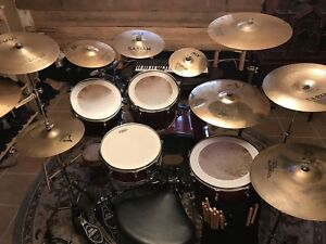 Beauty drum set, tons of cymbals