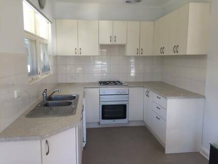 Unit for rent Glenelg East