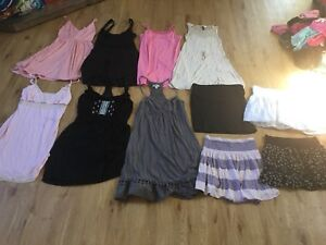 Small/med women's clothes lot