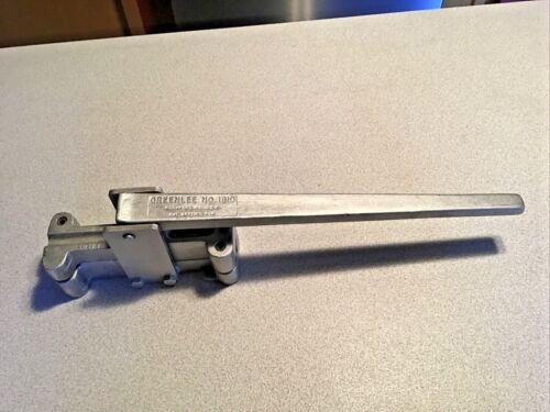 """Greenlee Little Kicker 1810 heavy duty 1/2"""" EMT conduit offset bender - NICE"""