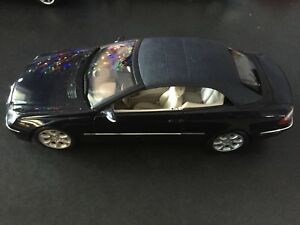 Rare 1:18 Mercedes CLK 500 Cabrio Metal Collector Car