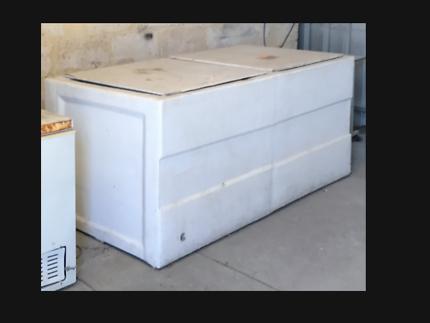freezer - fibreglass solid