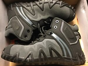 New Terra safety shoes Size 10
