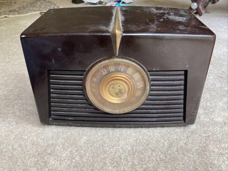 Vintage bakelite RCA Victor 8X-541 MCM nice condition working