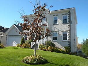 SUPER LAKEFRONT FAMILY HOME 20 MINUTES TO HALIFAX