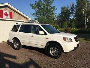 Honda Pilot EX RES w/ DVD EXCELLENT CONDITION