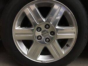 """18"""" rim and tire from 2005 Chrysler 300  Cambridge Kitchener Area image 2"""