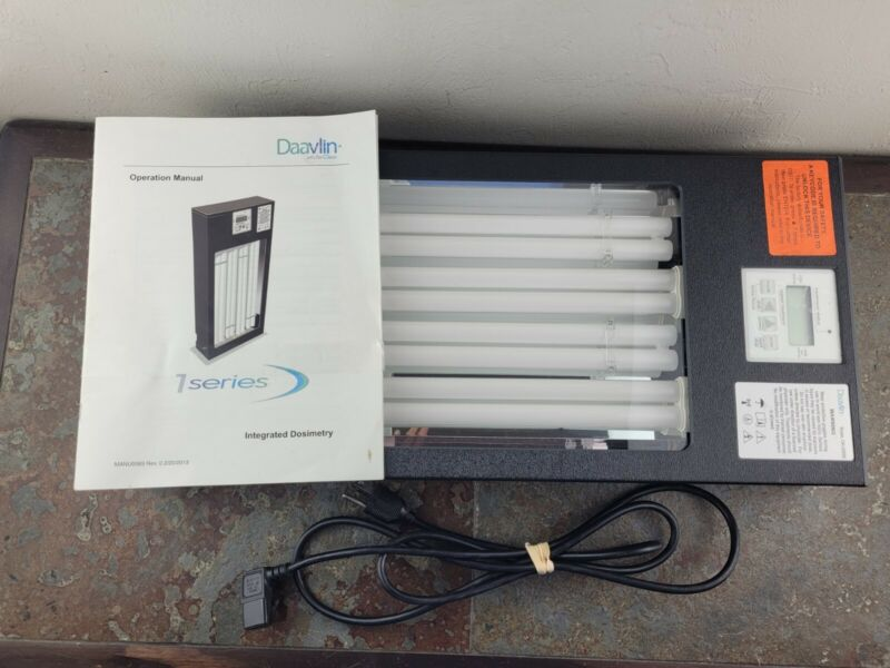 Daavlin 1 Series X 311 NV UVB w/Digital Timer Phototherapy Unit Skin Disorders