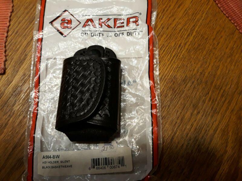 NEW AKER  BLACK LEATHER B/W  SILENT KEY HOLDER