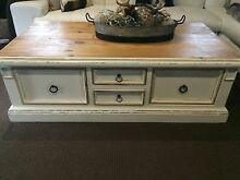 Shabby table Tamborine Ipswich South Preview