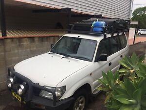Toyota LandCruiser Prado rooftoptent 3 months rego