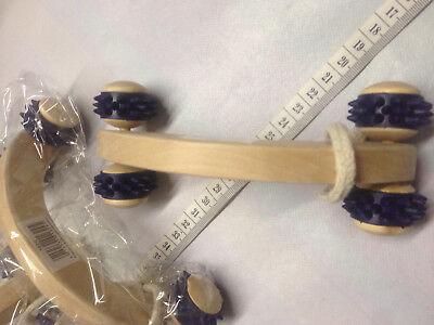 2 Massageroller Massagegerät Handroller Holz mit 4 Rollen Körper Geist Wellnes