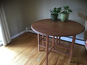 Drop-Leaf table.
