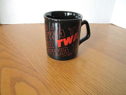 VINTAGE TRANS WORLD AIRLINES TWA COFFEE CUP MUG BLACK RED