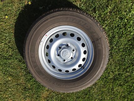 Hilux rims and tyres