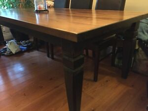 Dining room table & 6 Parson chairs