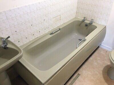 1970's Retro Avocado Bathroom Suite