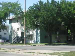 2-Bedroom Available Close to Broadway - Coral Gardens
