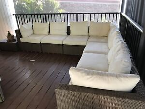 Outdoor modular lounge