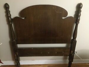 Antique / vintage Wood single bedframe