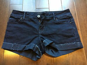 FOR SALE : Delia's Taylor Denim Shorts SZ 1/2 0 New