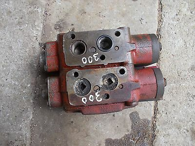 Farmall 300 350 400 450 Tractor Ih Hydraulic Control Valves 2 Blocks Behind Dash