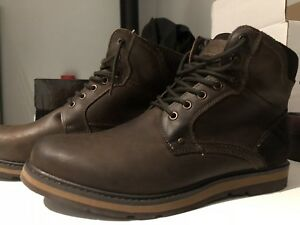 ARTICA WATERPROOF BOOTS BRAND NEW
