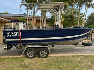 Savage 19ft centre console fishing boat